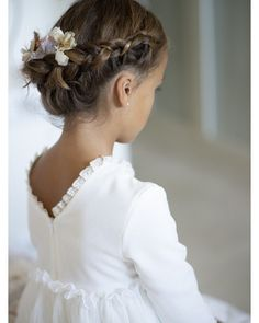 hairstyle ideas uk hairstyle ideas ideas for military bal Flower Girl Hairstyles bal hairstyle ideas military Short Flower Girl Hairstyles, Little Girl Hairstyles, Loose Hairstyles, Dress Hairstyles, Short Hairstyle, Communion Hairstyles, Girl Hair Dos, Flower Girl Gown, First Communion Dresses