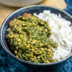 An easy and delicious lentil spinach curry, packed with fresh spinach, fragrant spices, and lentils. Serve with coconut rice for an amazing vegan meal!