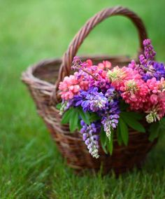.cesta con flores