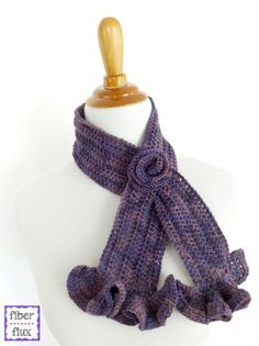 Vintage Blossom Keyhole Scarf, free crochet pattern from Fiber Flux