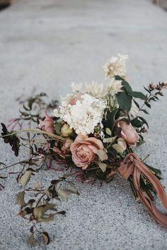 Top 20 Boho Chic Wedding Bouquet Ideas for Fall 2019 dusty rose and ivory fall wedding bouquet Sage Green Wedding, Dusty Rose Wedding, Floral Wedding, Wedding Colors, Wedding Art, Autumn Wedding, Wedding Table, Wedding Reception, Wedding Ideas