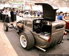 Ideas for my new street rod (More at pinterest.com/gary5mith/ideas-for-my-new-street-rod/) Not into Rad Rods but I'd like to put in a side opening panel like this in a Delivery-style street rod.