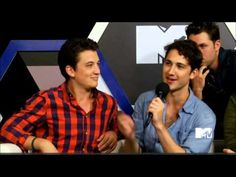Josh Horrowitz interviews the Divergent cast live on MTV.Com at SDCC 2013. Third interview is with Miles Teller, Amy Newbold, Ben Lloyd-Hughes, Christian Madsen, and Zoe Kravitz