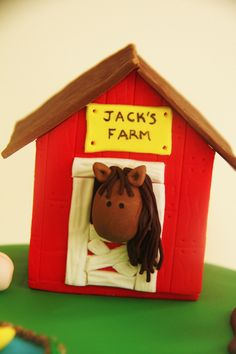 Farm Cake Tutorial - The Shed and Cow