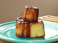 I wish I could say that I first tasted cannelés in France, escaping from a Bordeaux bakery with a glossy brown cake that could easily fit in the palm of my hand and eating it while it was still warm Easy Baking Recipes, Cooking Recipes, French Cake, French Food, French Patisserie, Tea Cakes, Dessert Recipes, Desserts, Plugs