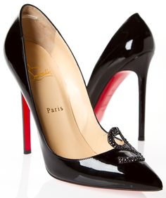 Black patent heels by Christian Louboutin | La Beℓℓe ℳystère