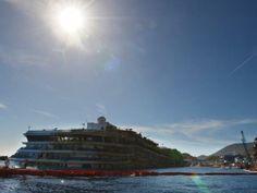 Costa Concordia in juni weggesleept van Italiaanse kust