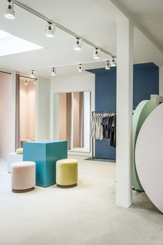 <p>The Pelican Studio, located in downtown Amsterdam, is the brainchild of entrepreneurs Theodore Kuster and Jelle Lispet. The clothing store's interior design, a concept of Framework Studio, offers a