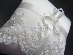Resultado de imagen para cojines para los anillos de boda