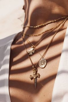 White Gold Diamond Dainty Key Pendant Necklace with Chain 16 18 Fine Jewelry Ideas Cute Jewelry, Gold Jewelry, Jewelery, Jewelry Accessories, Women Jewelry, Fashion Jewelry, Gold Bracelets, Fashion Fashion, Fashion Dresses