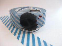 bijoux en plastique avec plastique d'emballage