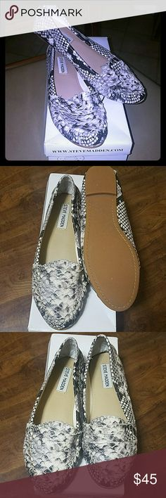 Steve Madden Snake Skin Loafers - Size 7 Steve Madden Snake Skin Loafers - Size 7 Steve Madden Shoes Flats & Loafers