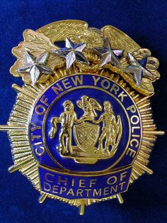 NYPD collectibles and badges Us Military Medals, Military Police, Police Officer, Sheriff, Police Cars, Police Badges, Detective, Nypd Blue, Fallen Officer