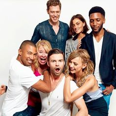 Cast picture SDCC. 7/2017. SO SAD THAT THIS WILL BE ITS FINAL SEASON