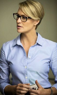 Robin Wright - Claire Underwood - House of Cards - Stijlmeisje More