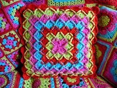 Wool Eater Blanket/Square pattern by Sara London.  Stunning.  English pattern can be found here :  http://sarahlondon.files.wordpress.com/2011/08/crocheted-wool-eater-blanket.pdf