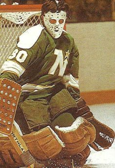 """Cesare Maniago / Minnesota North Stars  Back in the old days of Met Center (now the """"MAUL of America"""" is on that spot.)"""