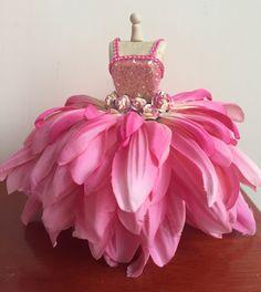 Mamets Cartoon Dungkek Sumenep #costume Barbie Dress, Barbie Clothes, Flower Costume, Baby Doll Nursery, Fleur Design, Kids Gown, Fairy Birthday Party, Fairy Crafts, Dress Card