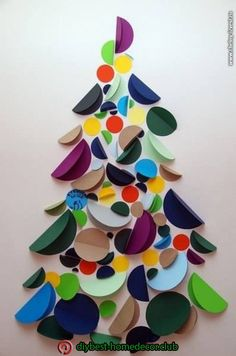 ideas tree crafts for adults kids Noel Christmas, Christmas Crafts For Kids, Christmas Activities, Christmas Projects, All Things Christmas, Holiday Crafts, Christmas Gifts, Christmas Ornaments, Paper Christmas Trees