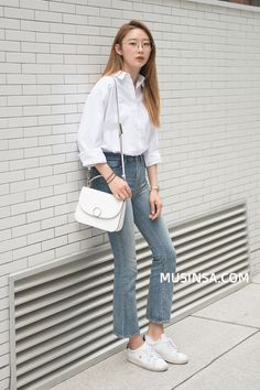 Korean fashion has been trending for many years, and it's for good reasons. With Korean's approach to outfits, accessories, and shoes, it is no doubt how many people search for Korean fashion trends for great looks. Korean Fashion Kpop, Korean Fashion Trends, Korean Street Fashion, Ulzzang Fashion, Korea Fashion, Korean Outfits, Asian Fashion, Korean Clothes, Women's Fashion