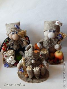 Clay Pot Crafts, Rope Crafts, Burlap Crafts, Diy Arts And Crafts, Recycled Crafts, Decor Crafts, Diy Crafts, Spring Door Wreaths, Christmas Gnome