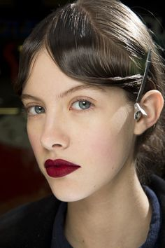 Lynsey Alexander for Mary Katrantzou - fall 2016 makeup - matte velvet red lips - beauty trends