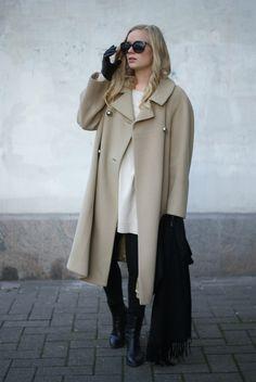 Oversized beige coat