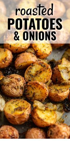 roasted potatoes and onions are a classic favorite side dish that goes with everything! roasted potatoes and onions are a classic favorite side dish that goes with everything! Toasted Potatoes, Roasted Potatoes And Onions, Baked Onions, Potatoes In Oven, Carrots Oven, Crockpot Roasted Potatoes, Crispy Potatoes, Roasted Vegetables, Veggies