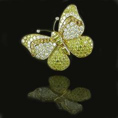 Van Cleef & Arpels 1969.....Uploaded By www.1stand2ndtimearound.etsy.com