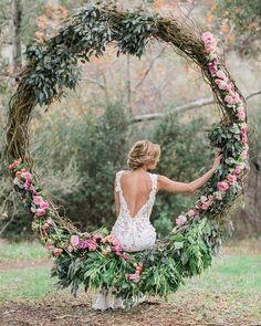pretty floral wreath wedding arch #wedding #weddingdecor #weddingarches #weddingideas