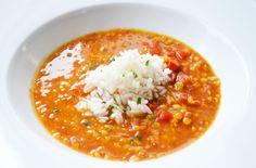 Eine milde Linsensuppe kann mit Reis oder Kartoffeln auf den Tisch gebracht werden. Ein gesundes #Rezept das schmeckt.