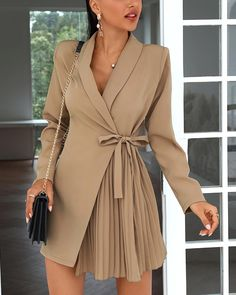 Elegant Outfit, Classy Dress, Classy Outfits, Stylish Outfits, Classy Clothes, Trend Fashion, Look Fashion, Womens Fashion, Fashion Design