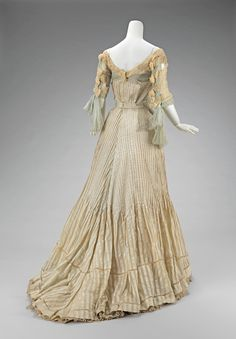 1900-1903 Gown by Raoul Lafontan in the collection at the Met.