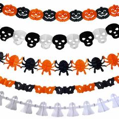 Halloween paper decorations that are cheap and affordable! These Halloween paper garlands are simple Halloween decorations that you can use to spice up your Halloween party
