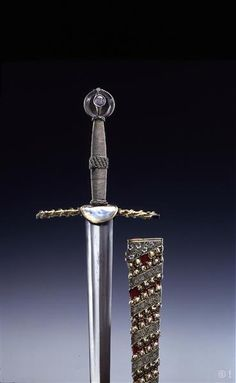 Sword of Fredrick the Warlike, he was an European ruler of the middle ages… Swords And Daggers, Knives And Swords, Katana, Armadura Medieval, Dagger Knife, Medieval Weapons, Historical Artifacts, Arm Armor, Fantasy Weapons