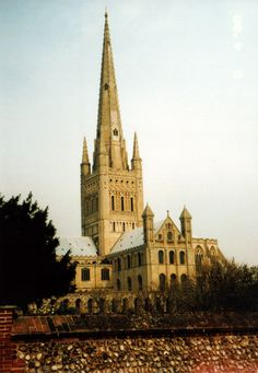 Norwich Cathedral | Norfolk, UK - SkyscraperCity