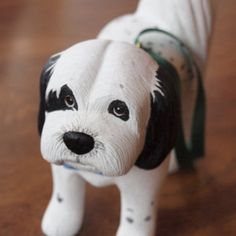 LindenWoodcarving on Etsy - hand carved ornaments/sculptures of your pet