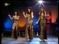 ▶ The Three Degrees - Dirty Ol' Man (1974) - YouTube Lekker meegalmen op vieze oude man