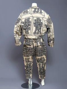 japanesefashionarchive:    1980s-1990s rope pattern three piece linen suit by Tokyo-based British designer Christopher Nemeth.