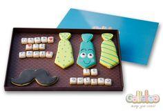 """Pack completo: tres corbatas, un bigote y dos mensajes tipo scrabble: """"Para ti papá, te quiero"""" http://www.galletea.com/galletas-decoradas/"""