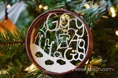 Papercut Circle Nativity Ornament - Reese Dixon tutorial and pattern