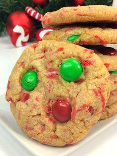 Christmas Pudding Cookies! Healthy Christmas Recipes, Christmas Snacks, Christmas Baking, Holiday Recipes, Christmas Ideas, Pudding Cookies, Cake Mix Cookies, Cooking Cookies, Cookie Desserts
