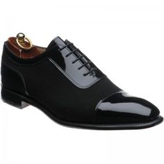 Herring Jive Oxfords in black patent and black suede from Herring Shoes Suit Shoes, Mens Shoes Boots, Men's Shoes, Shoe Boots, Dress Shoes, Male Shoes, Leather Brogues, Oxfords, Beard Suit