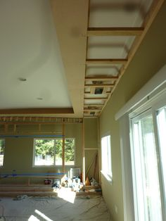 http://www.avsforum.com/forum/19-dedicated-theater-design-construction/1510721-bass-98-diy-build.html i am wanting to run black lights and rope lights - looks like a good way to build this and create a small soffit with room to hide the lights