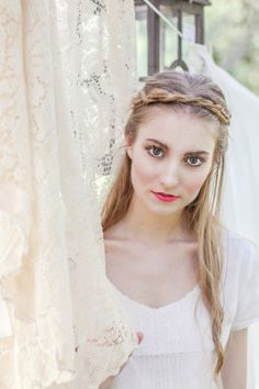 Pretty half up half down braided hairstyle | Alice Rose Photo  | Alice Rose Photo