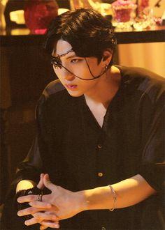 Leo lookin like a manga character like always
