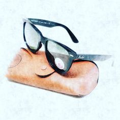Classic Ray-Ban Wayfarers at EyeHeartShades.com #sunglasses #sunglases #fashionaccessories #rayban #raybans #wayfarer #originalwayfarer #eyewear #eyeglasses #classiclook #classic #vintage #hipster #love #followforfollow #likeforfollow #fashion #womensunglasses #menssunglasses #mensstyle #womenswear Ray Ban Sunglasses, Sunglasses Case, Ray Ban Wayfarer, Vintage Hipster, Eye Glasses, Classic Looks, Eyewear, Ray Bans, Fashion Accessories