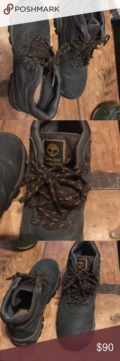 a08180c30608 Timberland hiking boots Size 4 kids (boys) fits size 5-6 women too (I wore  them and am size 5 women). Very lightly worn. Great for long or short hikes.
