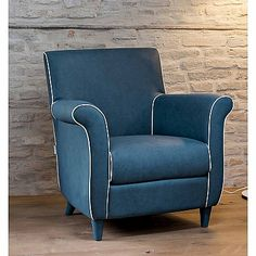 Luxury elegant blue 'Classic' chair. Nice colour, beautiful design. High quality materials. My Italian Living