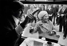The Beatles film A Hard Day's Night, primarily shot on a moving train. A Fan recognises Paul McCartney, © David Hurn / Magnum Photos Paul Mccartney, Happy Birthday Paul, Michael Dell, A Hard Days Night, Sir Paul, John Paul, Photographer Portfolio, Documentary Photographers, The Fab Four
